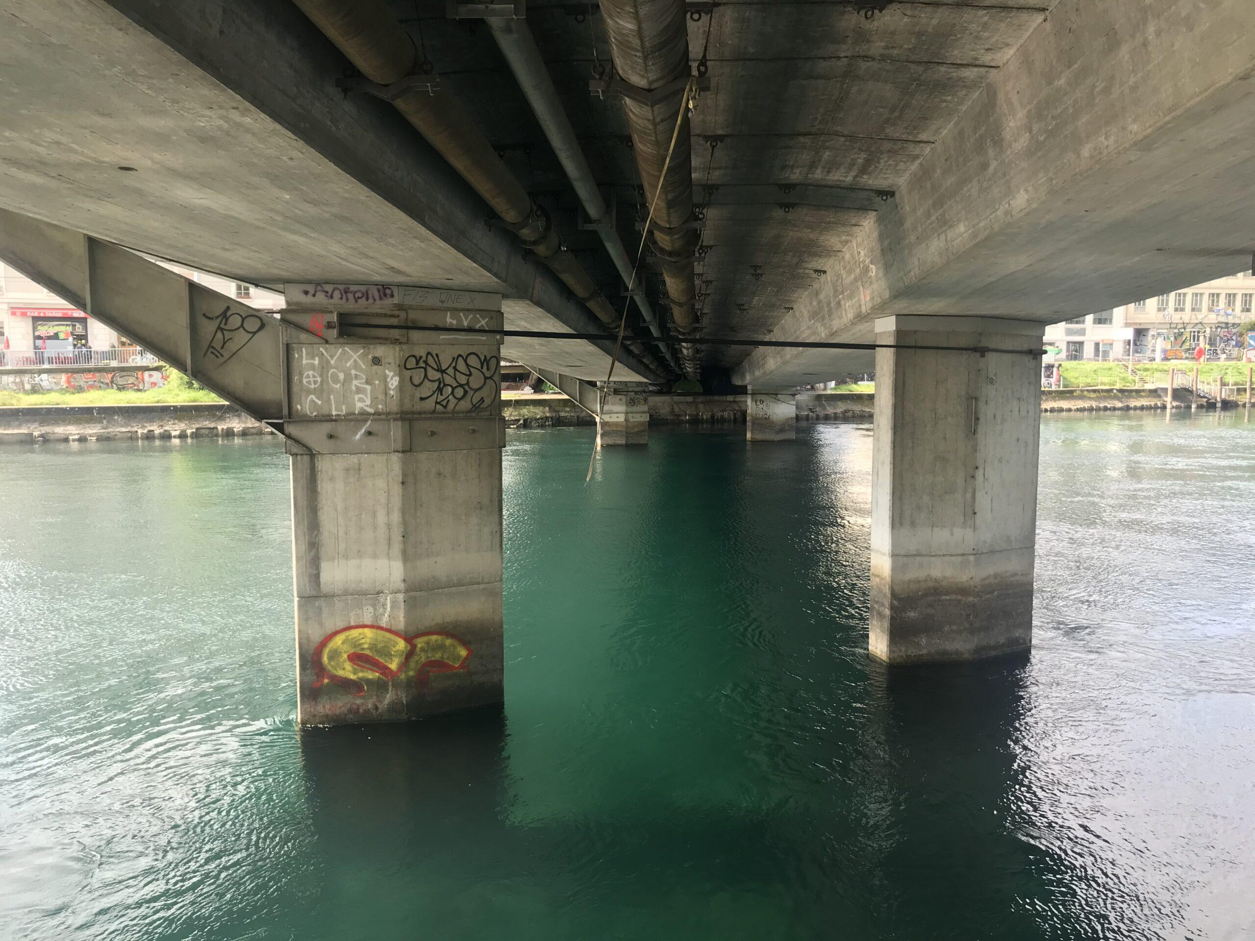 Au fil du Rhône (Pont sous terre)